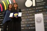 """""""Pelo Malo"""" sorprende y se lleva la Concha de Oro en la 61º Festival de SanSebastián."""